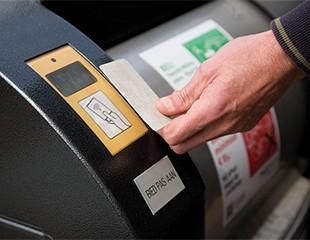 Elektronisk adgangskort med Elektronisk adgangskontroll