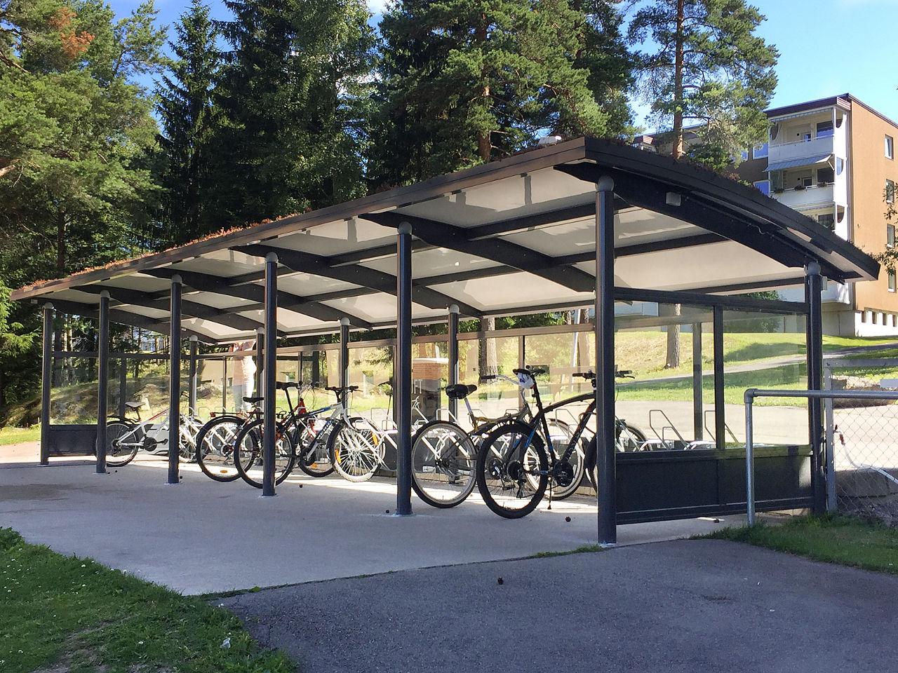 4. Ymer sykkelskur med glassvegger