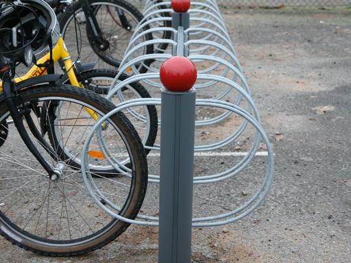 Bike dobbel sykkelstativ med hjulholder - fin utnyttelse av plassen