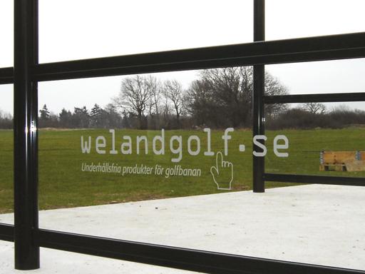 Mulighet for sponsorinntekter med plass til reklame på glassveggene.