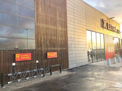 Den nyåpnede butikken Coop Extra på Hammerås har satt opp et Bike sykkelstativ og sparkesykkelstativ.