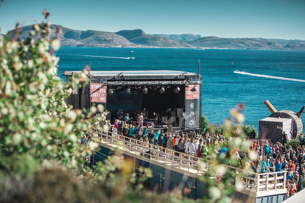 Norges første plastfri festival ble arrangert på Stokkøya. Foto: Gerhardsen &